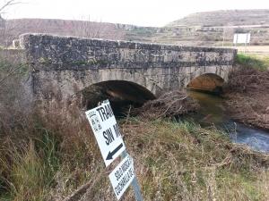 puente sobre el río Arandilla